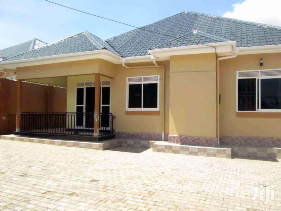 Brand New Four Self Contained Bed Room House