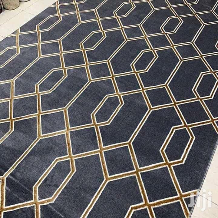 Center Carpets