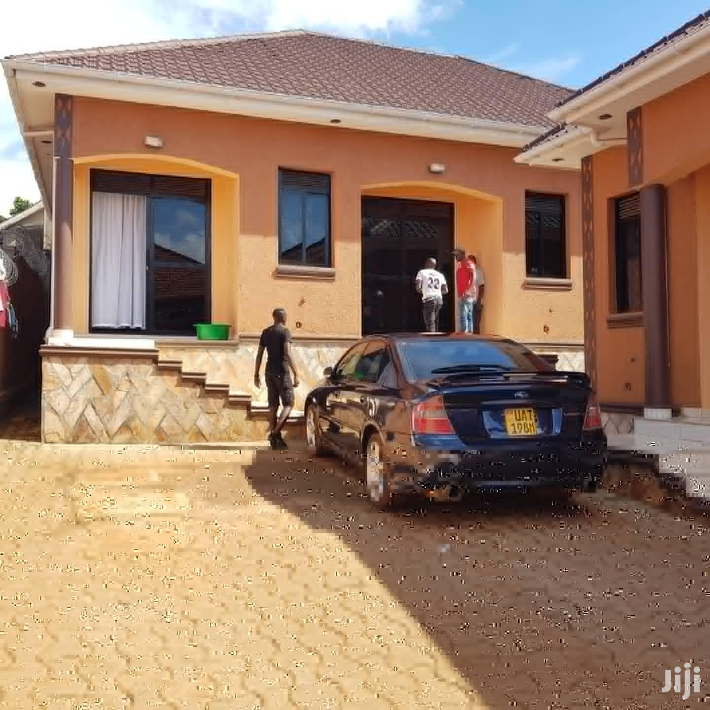 Double Rooms House In Kisaasi Kulambiro Road For Rent