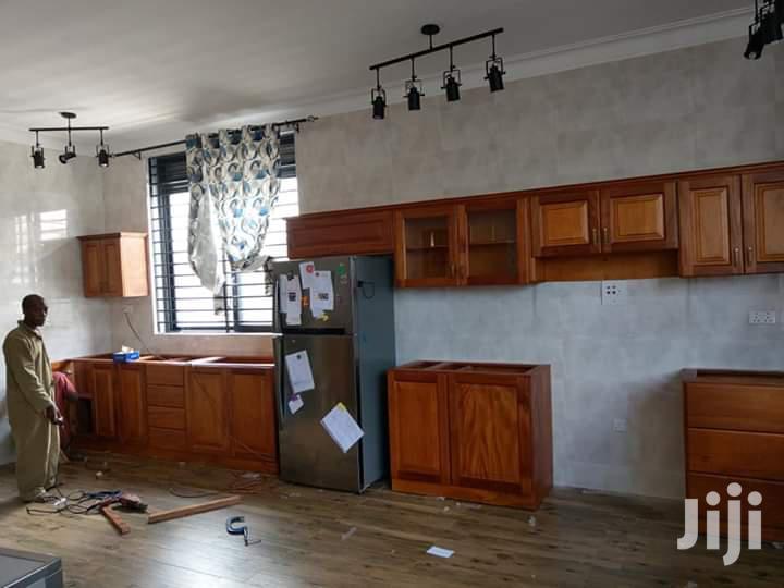 Archive: Hardwood Kitchen Cabinets