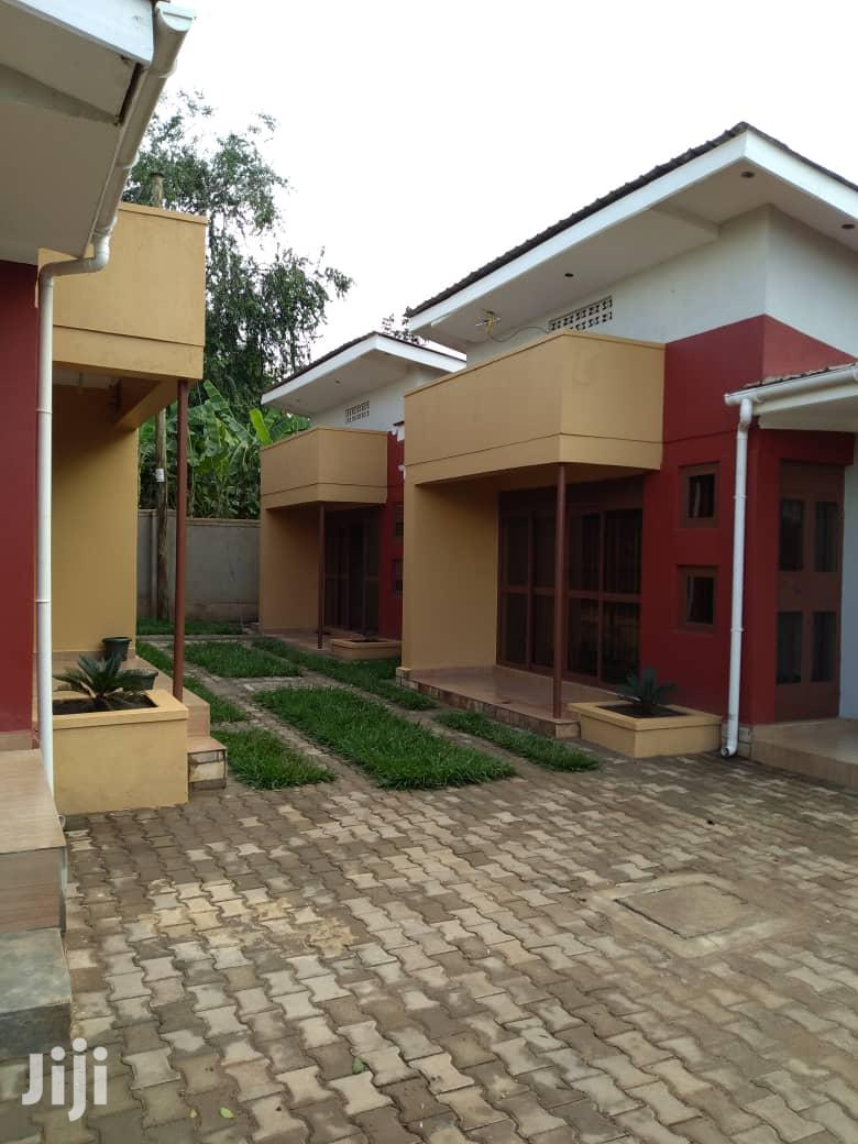 Kira Spacious New Double Room House For Rent