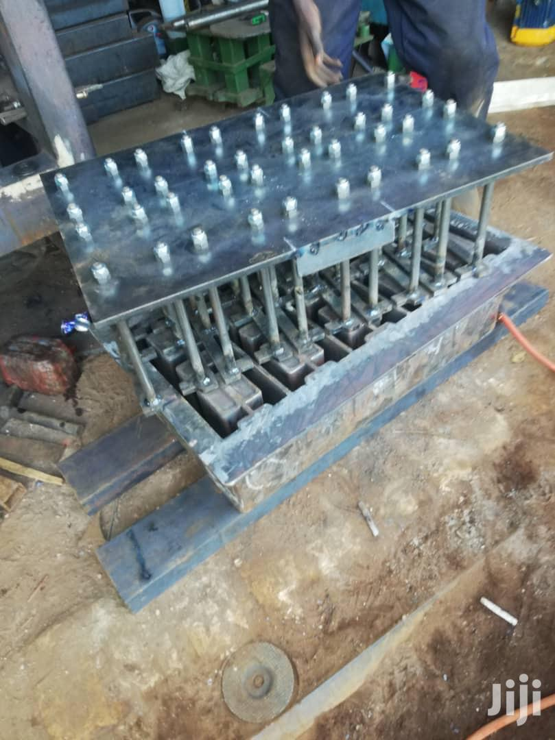 Hollow Block Mold For All Of Hydraulic And Gearbox Machines
