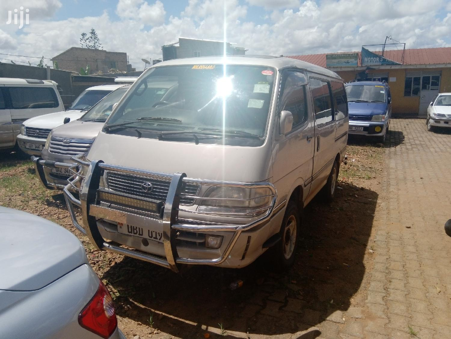 Archive: Toyota Lite-Ace 1996 Gray
