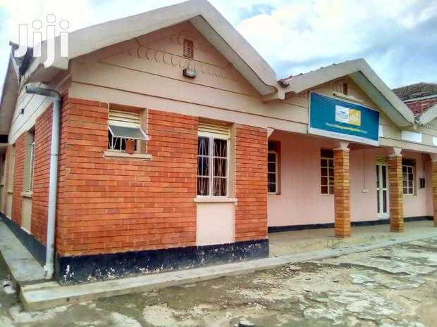House On Sale 4bdrms Mbale
