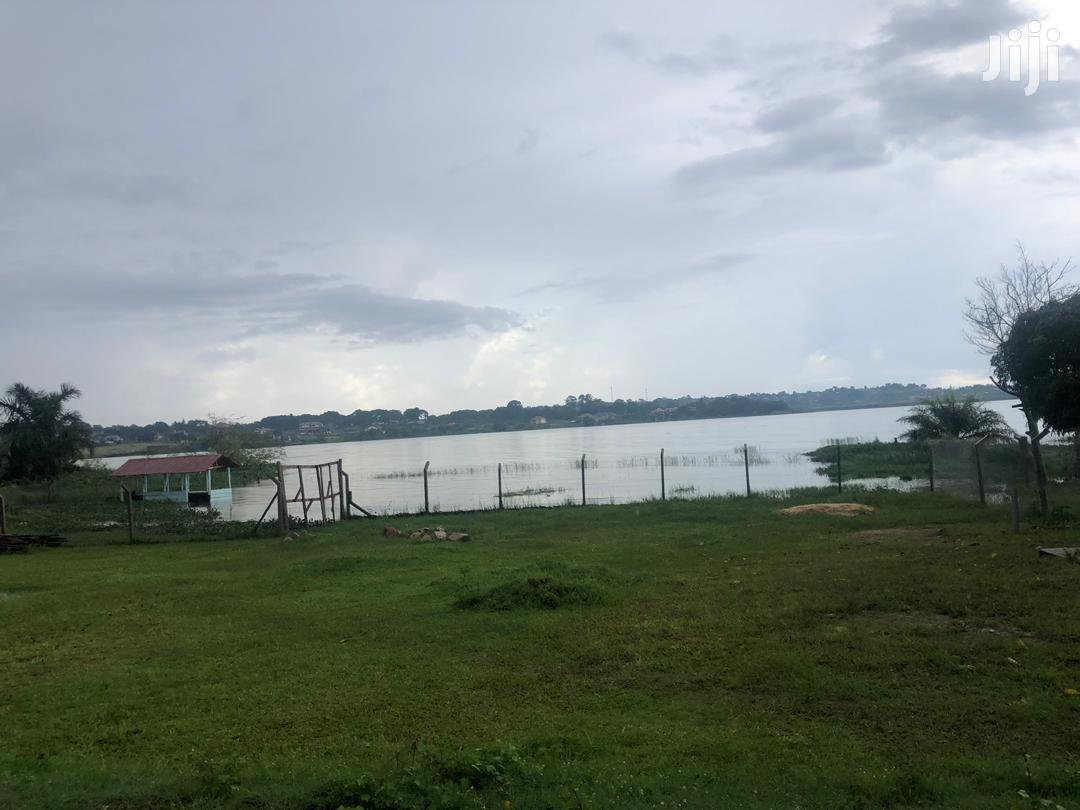 Registerd Landing Site Measuring Direct On Lake Rent Kasenyi