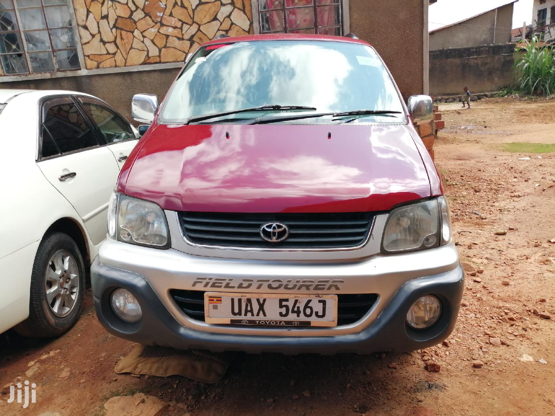 Toyota Noah 2001 Red