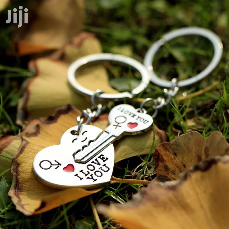 Trendy Couple I LOVE YOU Heart Keychain Ring Souvenirs