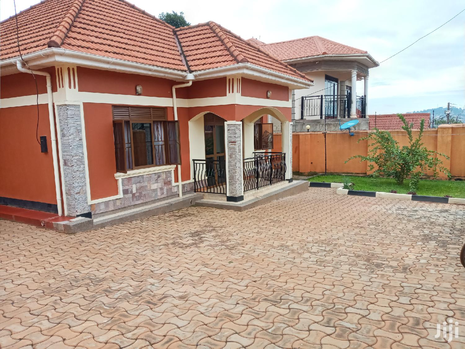 Three Bedroom House In Zana Entebbe Road For Sale