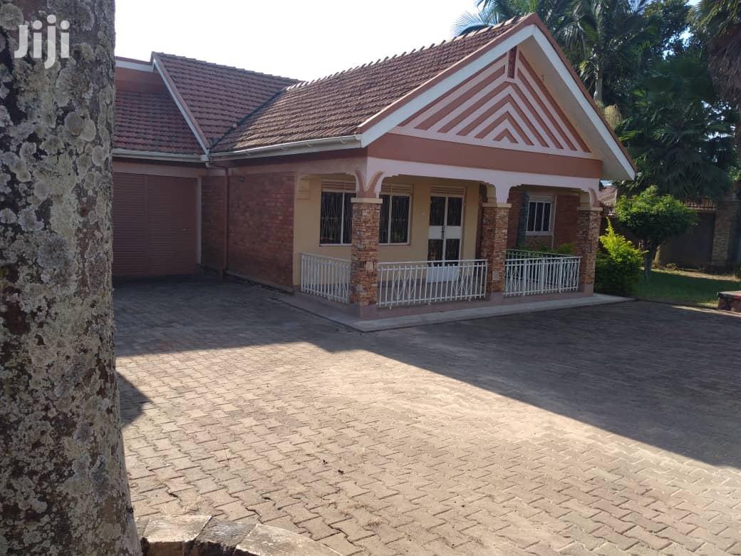 Three Bedroom House In Lweza Entebbe Road For Sale | Houses & Apartments For Sale for sale in Kampala, Central Region, Uganda