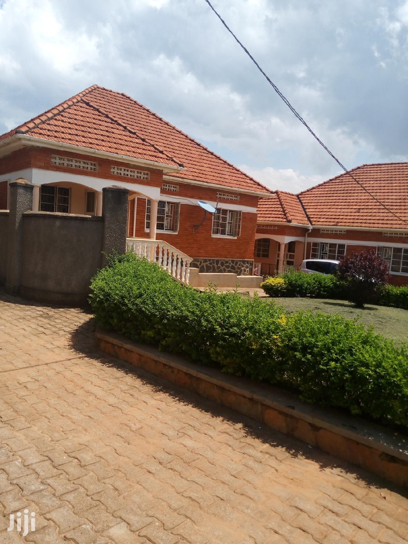 Three Bedroom House In Kisaasi Kulambiro For Rent