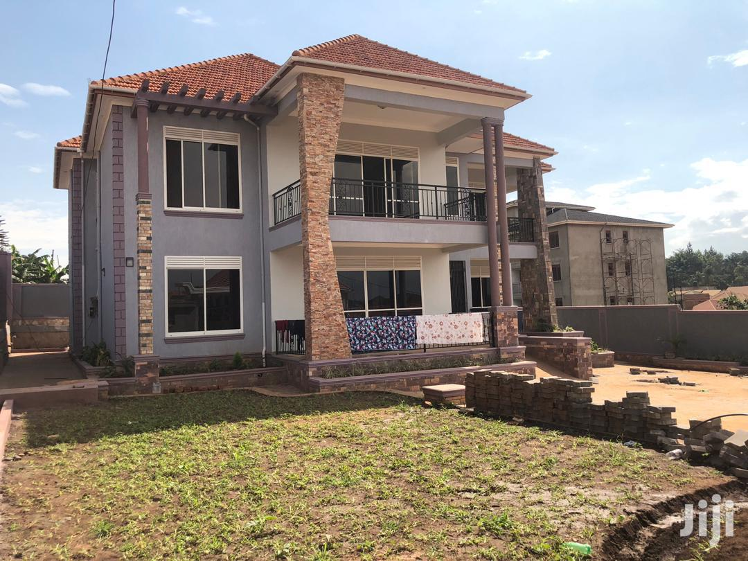 Archive: Six Bedrooms House For Sale In Kyanja