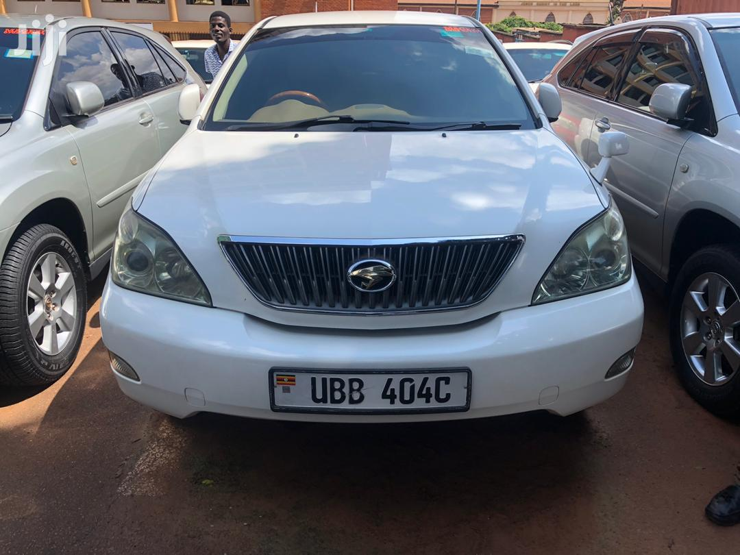 Toyota Harrier 2004 White