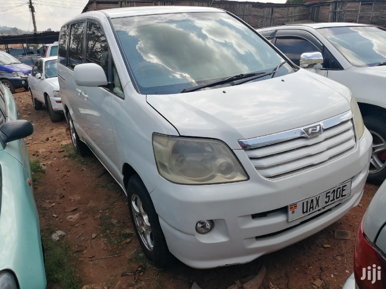Archive: Toyota Noah 2002 White