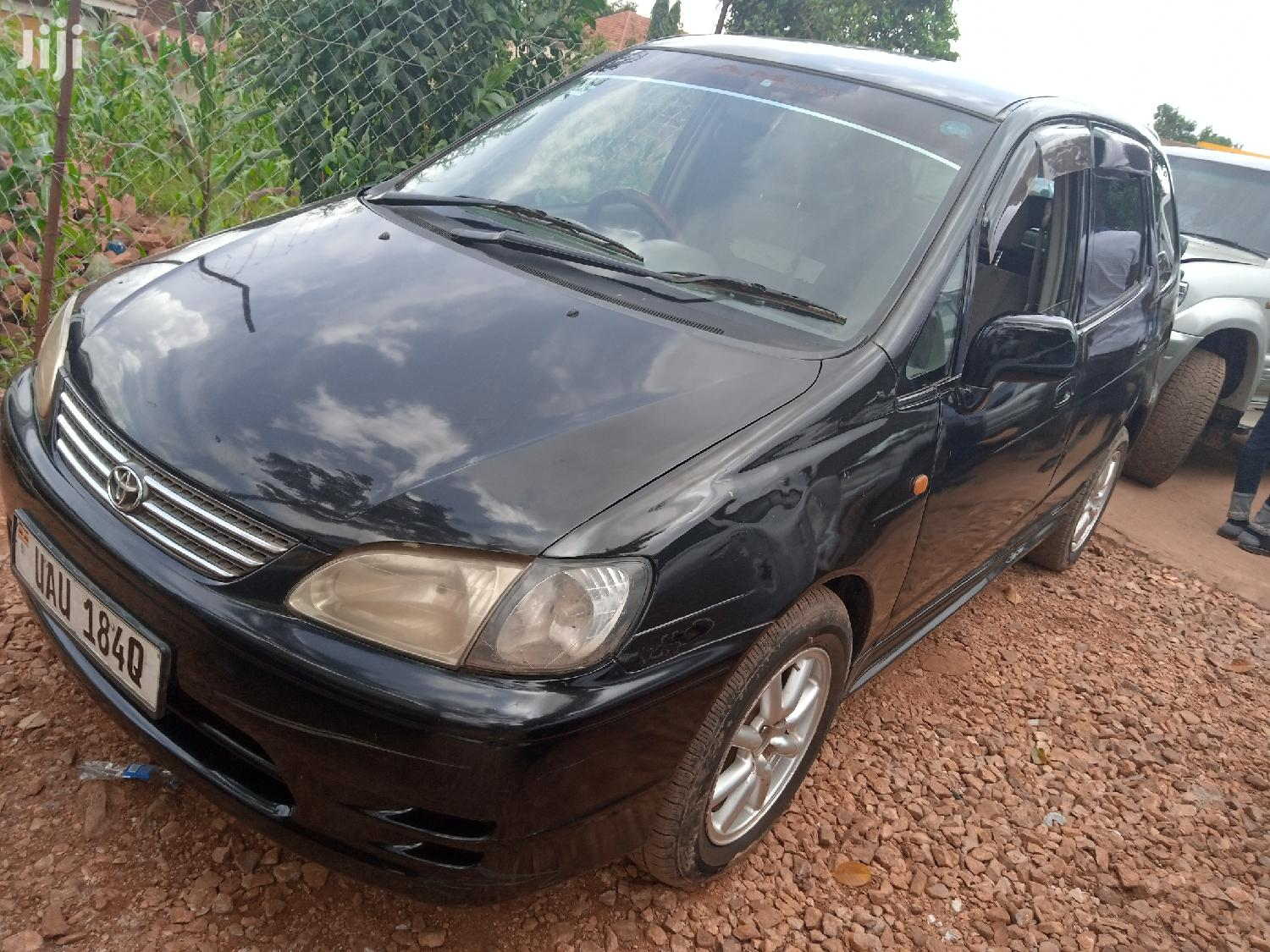 Archive: Toyota Spacio 2000 Black