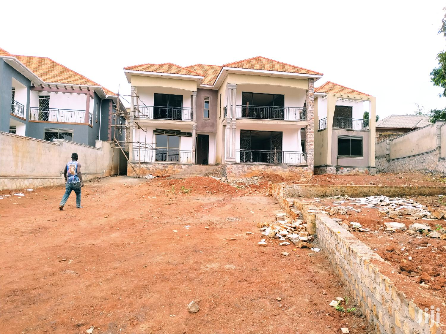 Classic Home for Sale in Kiwatule Has 7 Bedrooms All Self Contained | Houses & Apartments For Sale for sale in Kampala, Central Region, Uganda