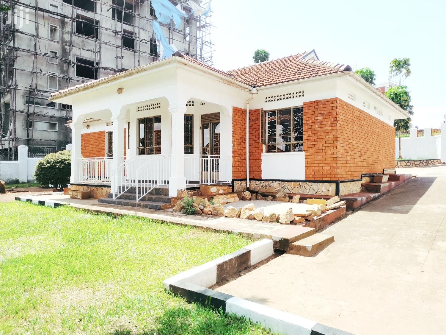 Three Bedroom House In Naalya For Sale