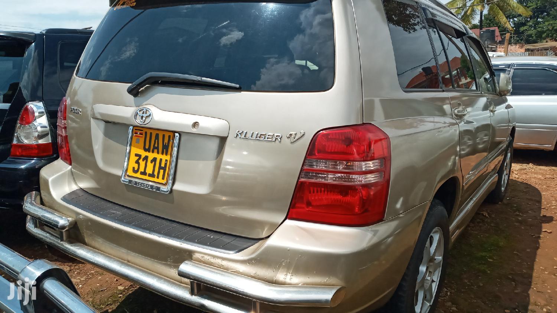 Toyota Kluger 2001 Gold   Cars for sale in Kampala, Central Region, Uganda