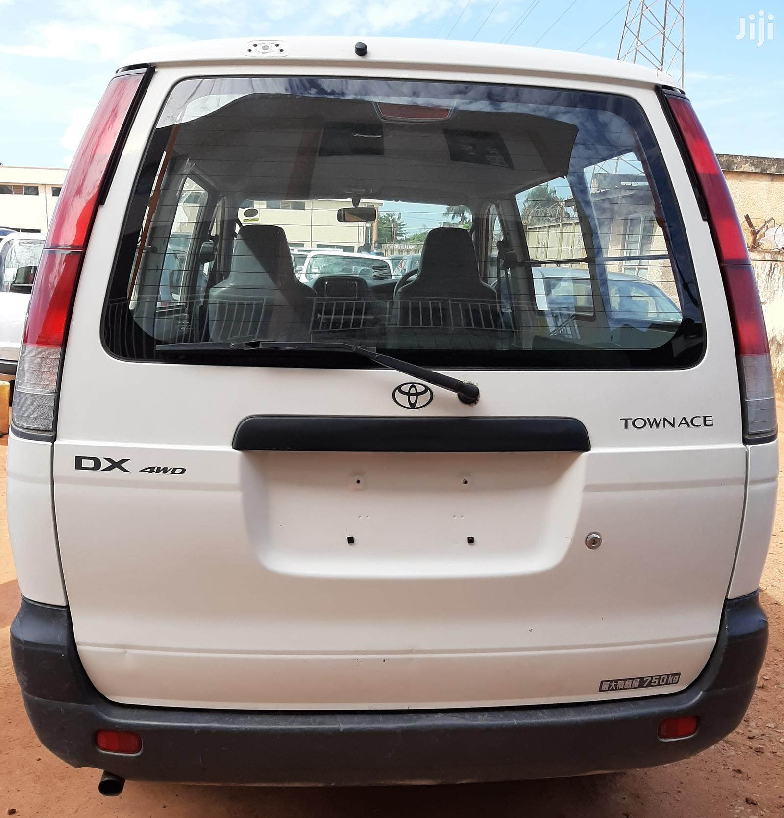 Toyota Toyoace 2006 White | Buses & Microbuses for sale in Kampala, Central Region, Uganda
