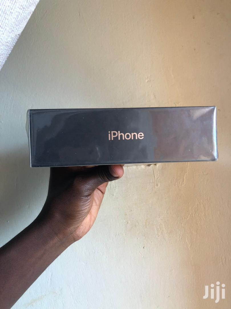 New Apple iPhone 11 Pro Max 64 GB Gold
