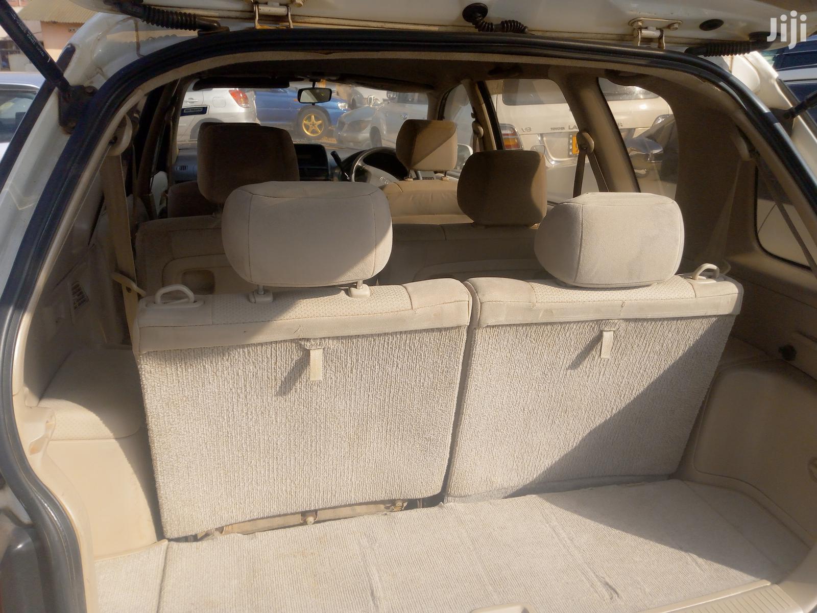 Toyota Ipsum 2000 White   Cars for sale in Kampala, Central Region, Uganda