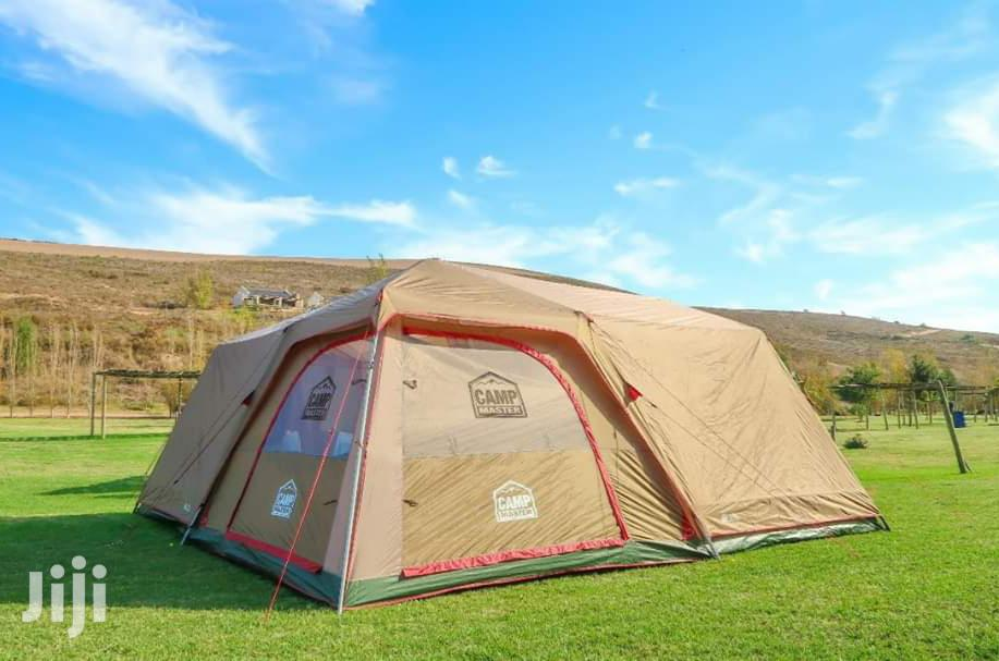 Campmaster 8 Sleeper Family Cabin Tent 820