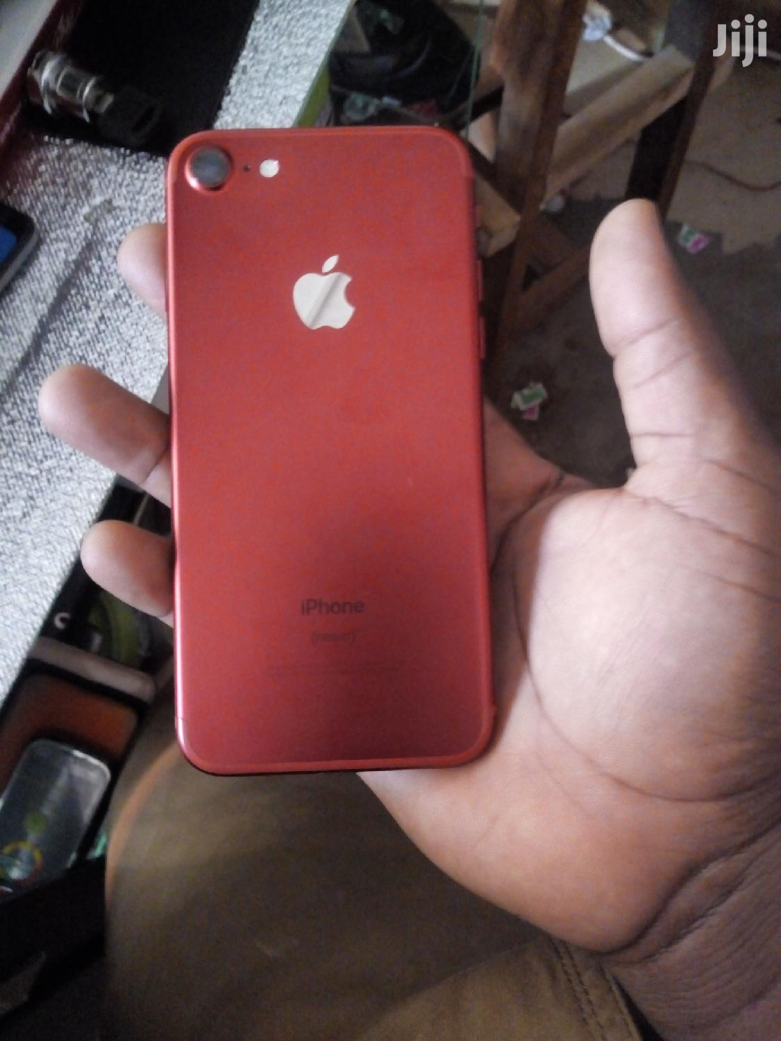 Apple iPhone 7 128 GB Red