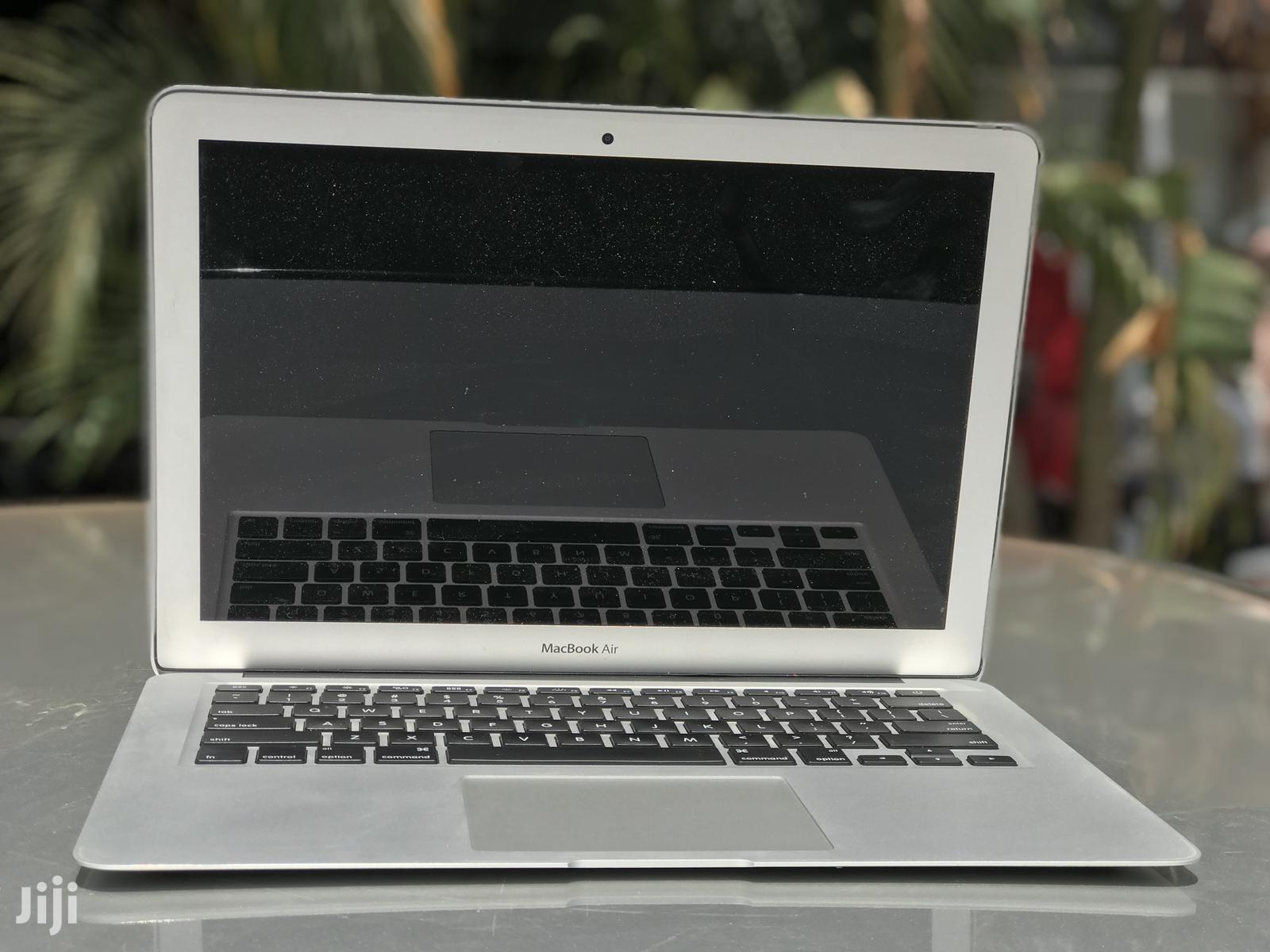 Laptop Apple MacBook Air 8GB Intel Core I7 SSHD (Hybrid) 128GB