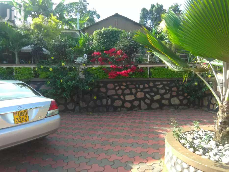 Fully Furnished Two Bedroom Apartment In Makindye For Rent | Houses & Apartments For Rent for sale in Kampala, Central Region, Uganda