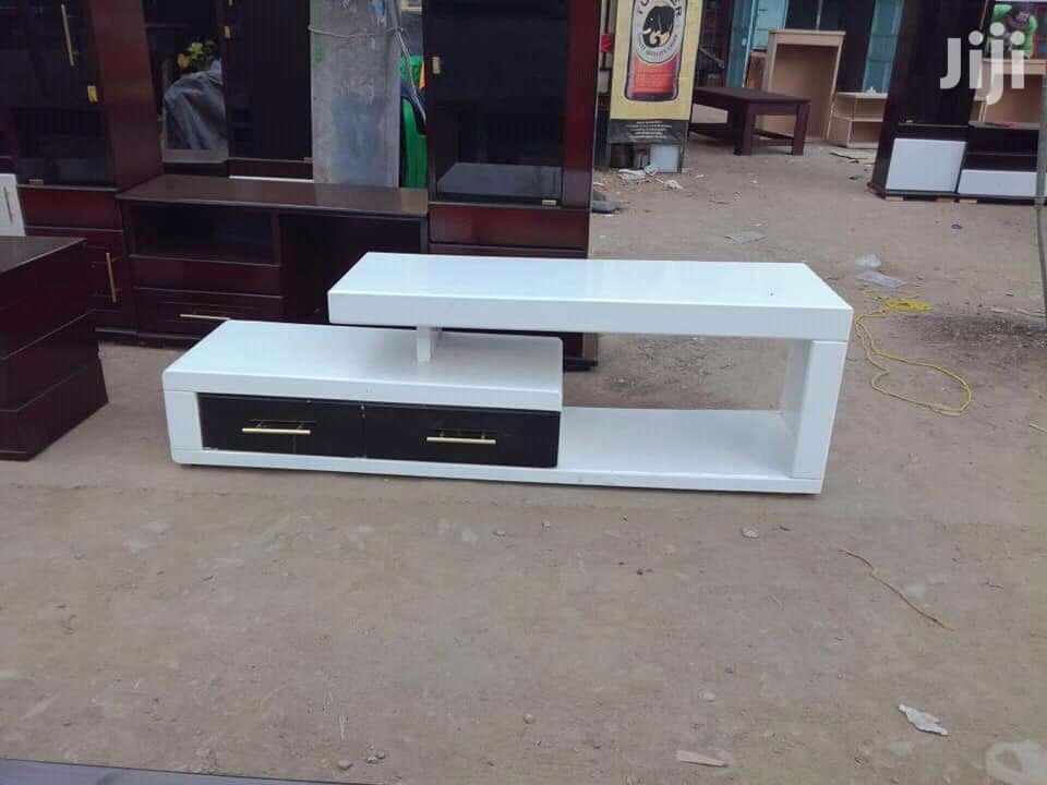 Qulity TV Stand