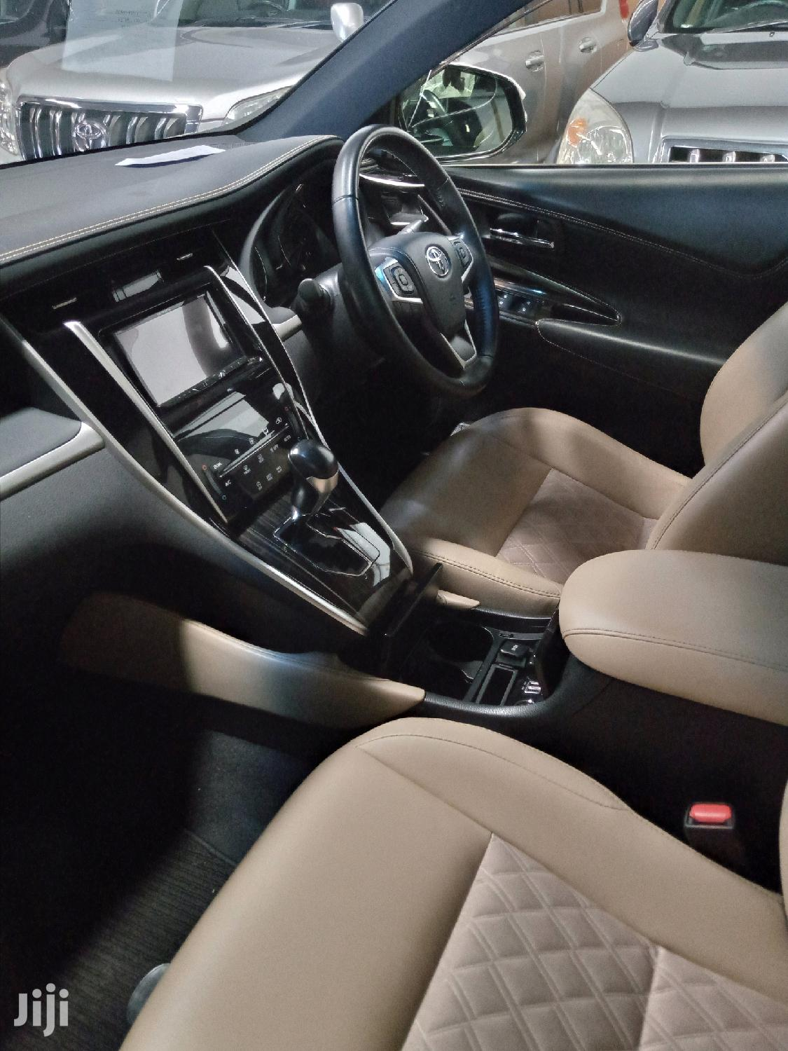 Archive: New Toyota Harrier 2017 White
