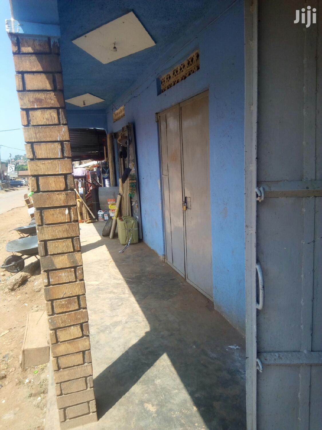 Simple Empty Shop for Rent in Kireka Kamuli Road