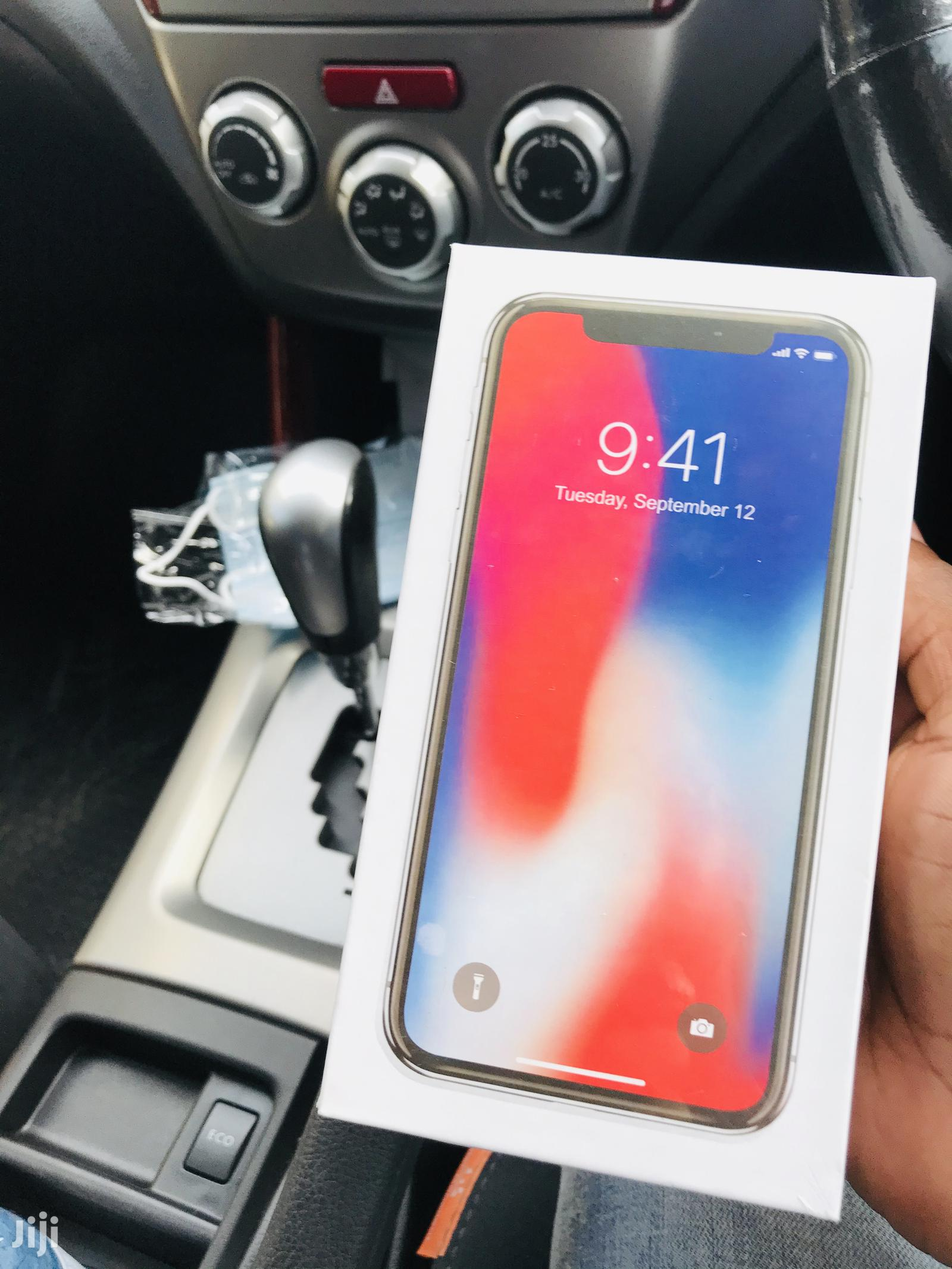 New Apple iPhone X 256 GB Gray