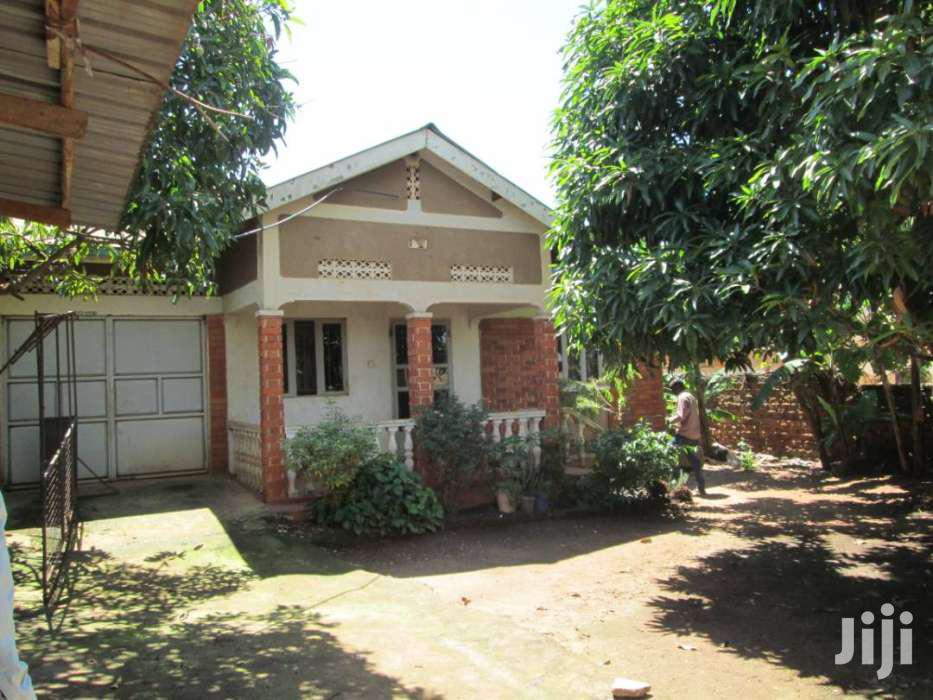 Three Bedroom House In Kirinya Bweyogerere For Sale