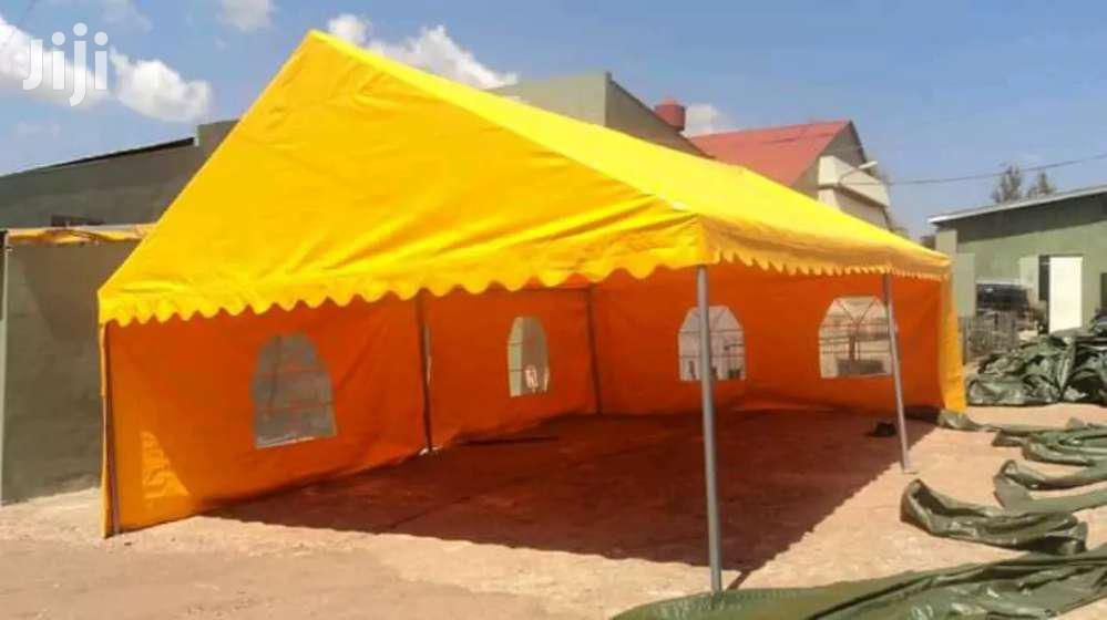 100 Seated Tent