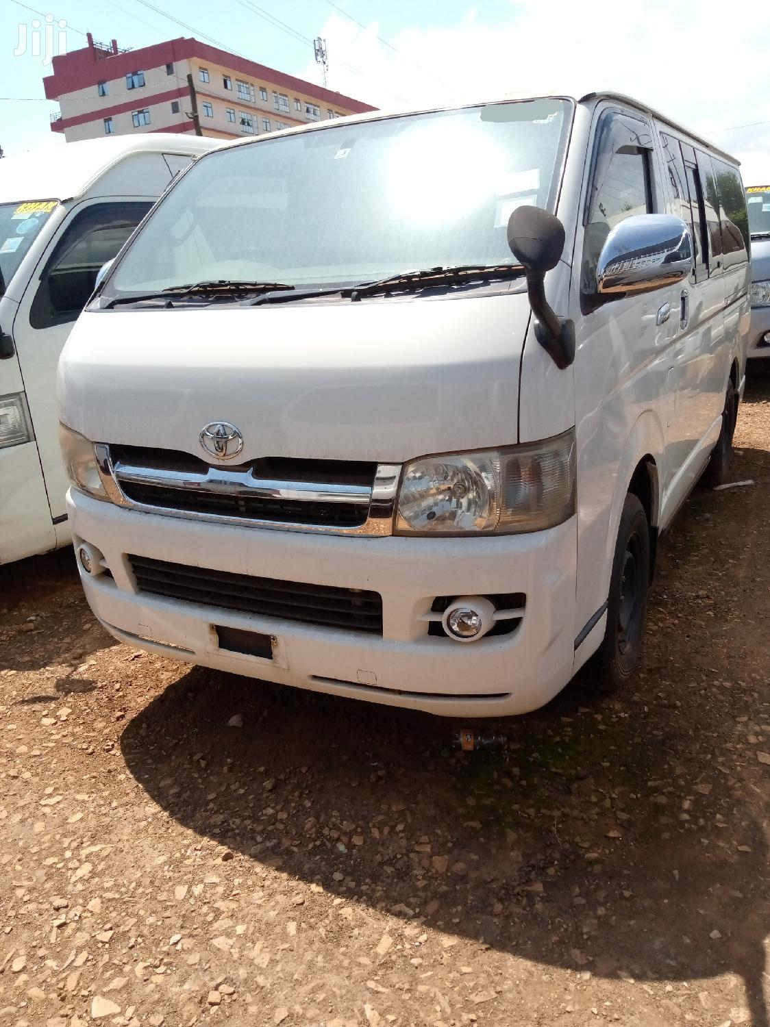Toyota Hiace Super GL Delivery Van (Without Seats)