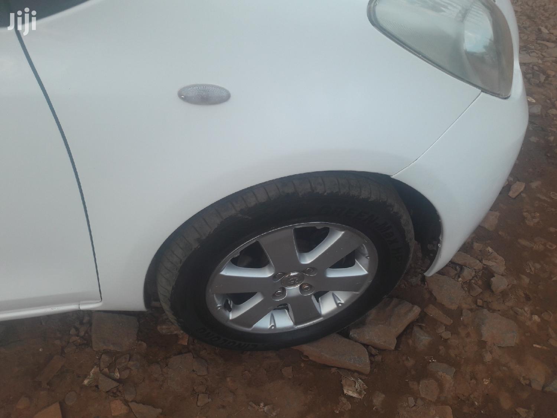 Toyota Vitz 2003 White   Cars for sale in Kampala, Central Region, Uganda