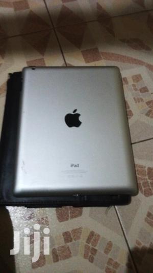 Apple iPad 2 CDMA 16 GB Gray