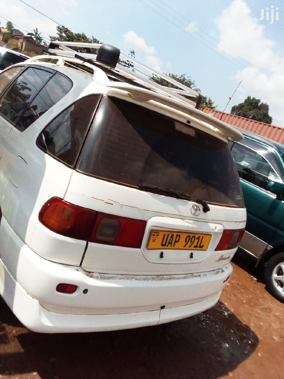 Toyota Ipsum 1994 White | Cars for sale in Kampala, Central Region, Uganda