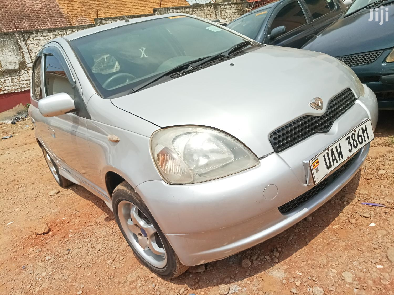 Archive: Toyota Vitz 2000 Silver