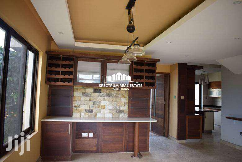 Archive: HOUSE FOR RENT IN MUYENGA