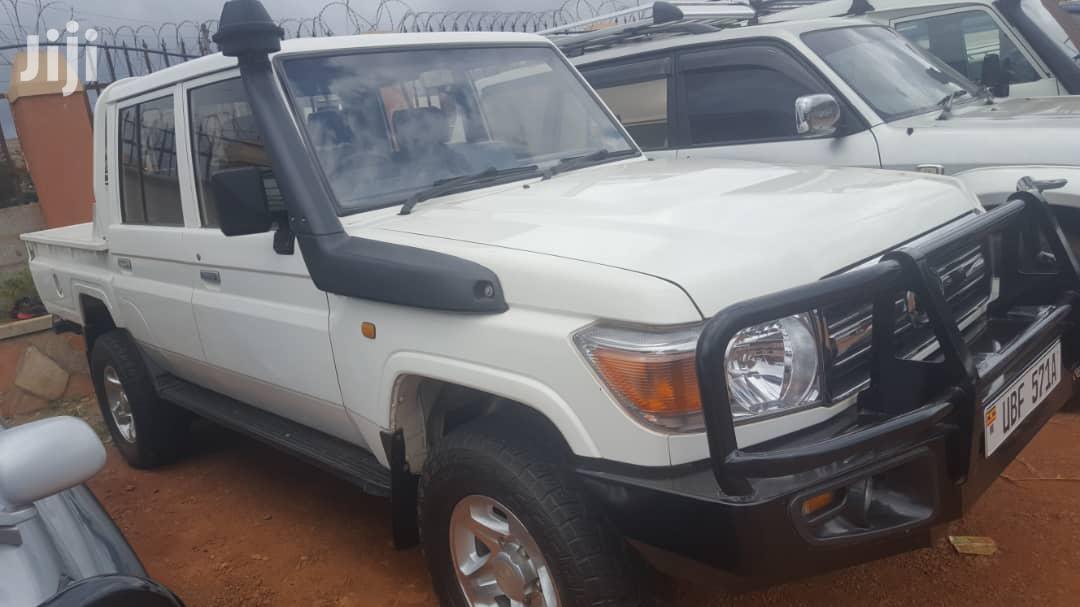 Toyota Land Cruiser 2013 White   Cars for sale in Kampala, Central Region, Uganda