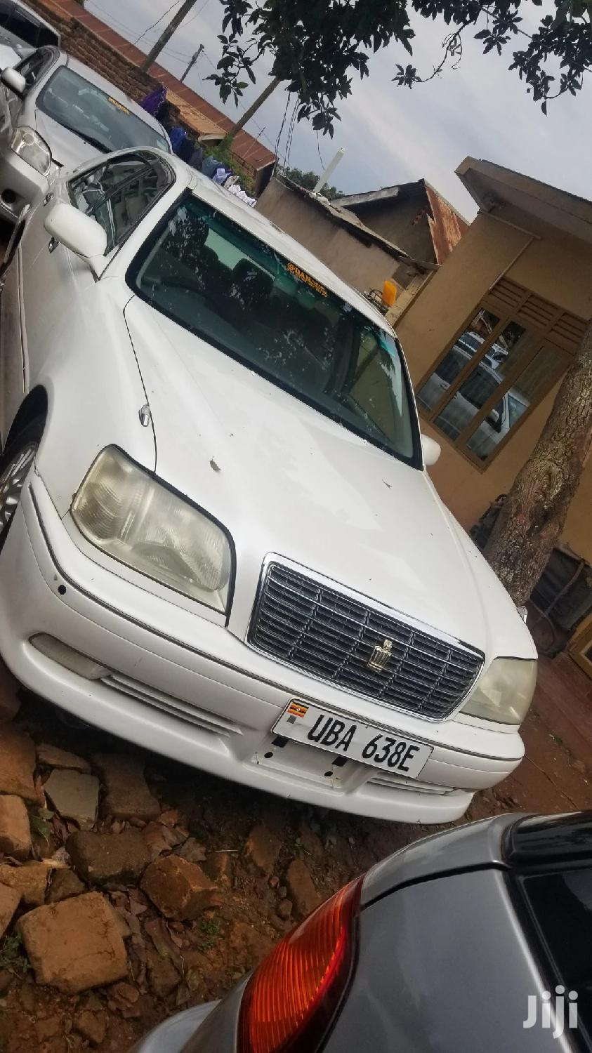 Archive: Toyota Crown 2002 White