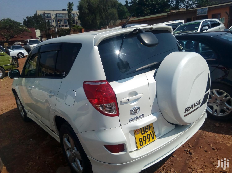 Archive: New Toyota RAV4 2.0 VVT-i 2008 White