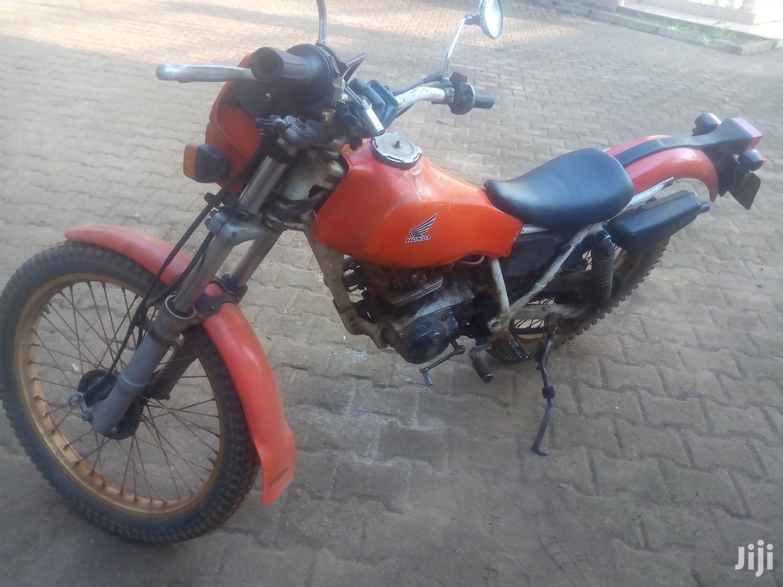 Honda 1989 Red