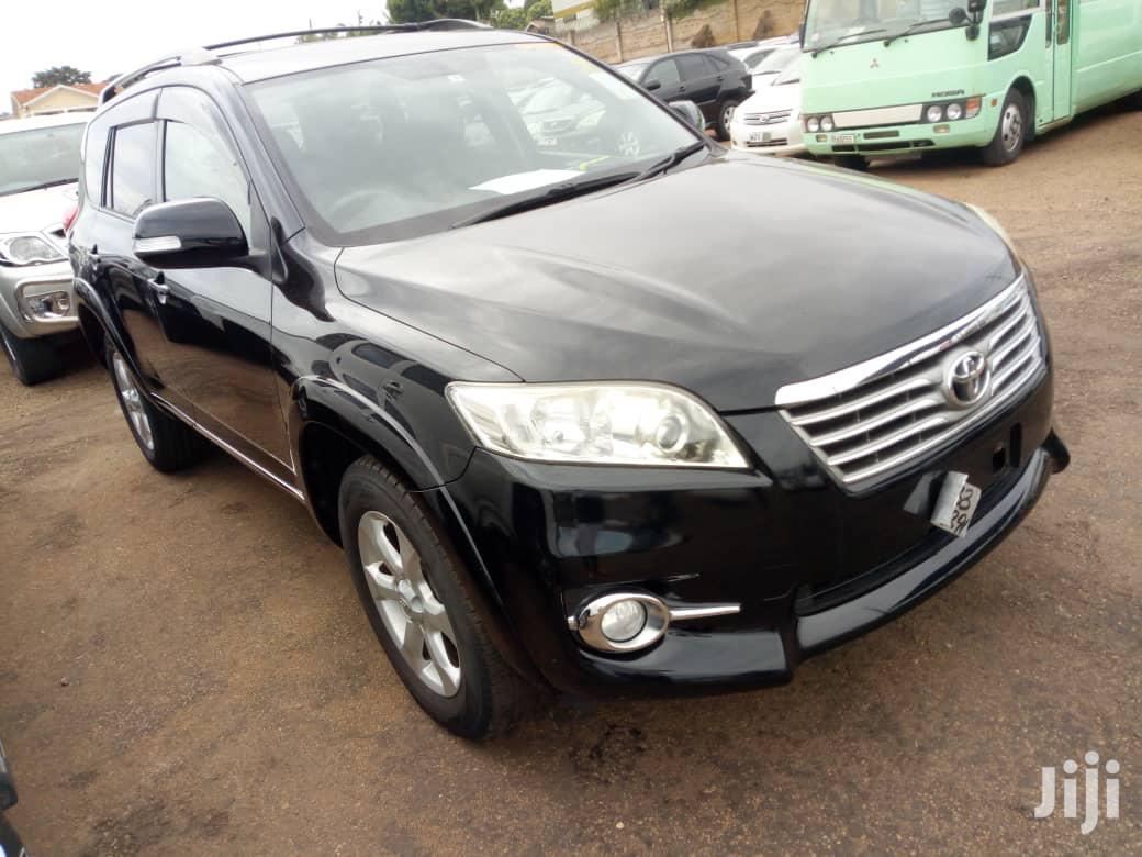 Toyota Vanguard 2011 Black