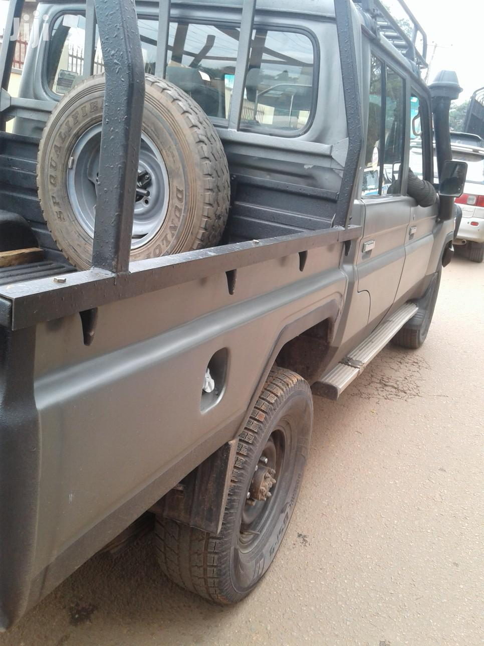 Toyota Land Cruiser 2009 Gray