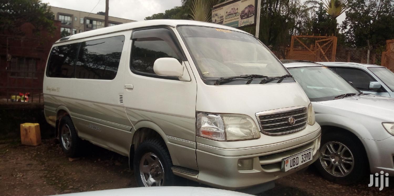 Toyota HiAce 1999