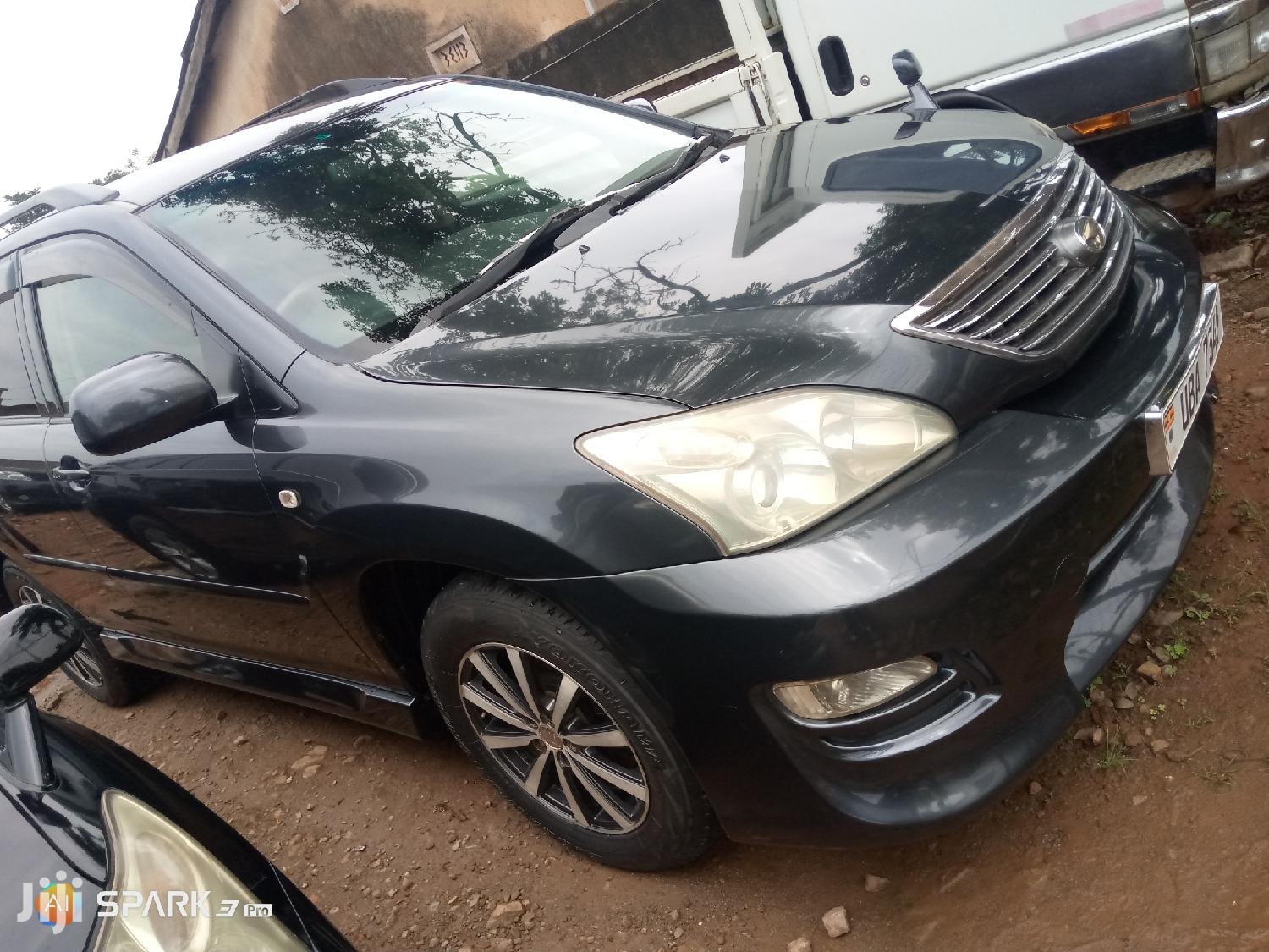 Archive: Toyota Harrier 2004 Gray