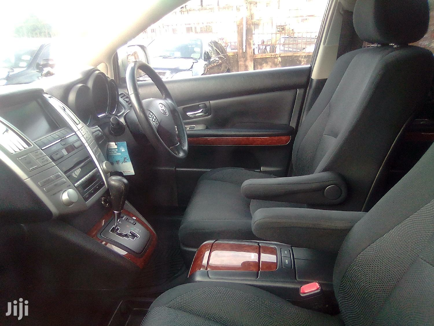 Archive: Toyota Harrier 2006 Gray