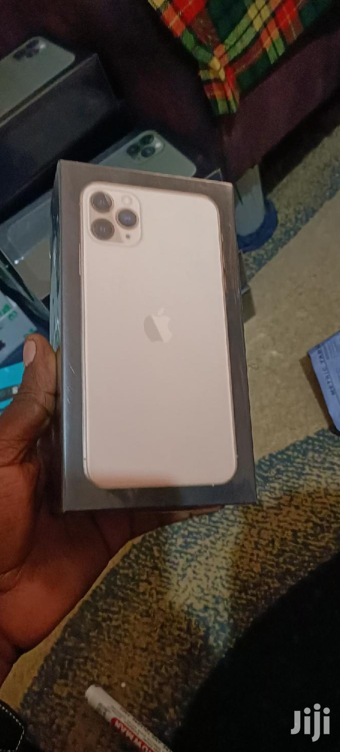 New Apple iPhone 11 Pro Max 256 GB Gold